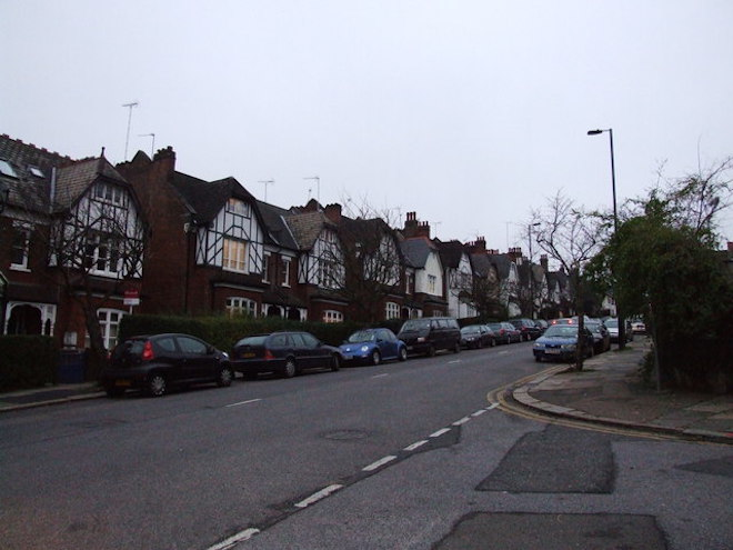 Cranley_Gardens,_Muswell_Hill_-_geograph.org.uk_-_1088900